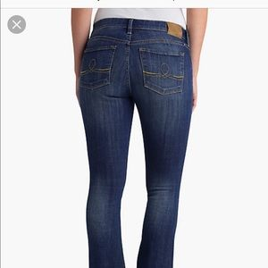 Lucky Brand Sofia Boot Jeans 8/29
